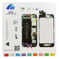 iPhone 5 : Tapis gabarit magnétique de démontage pour vis